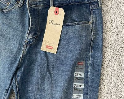 Ladies Levis 505 jeans Size Short 10 Tags Still on!