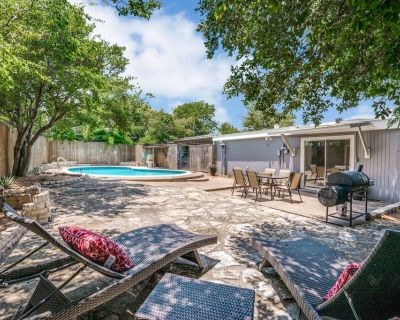 Walk to Will Rodgers and Enjoy Private Backyard Pool & Patio! - Fort Worth Cultural District