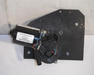2002 Mack Vision Windshield Wiper And Mount