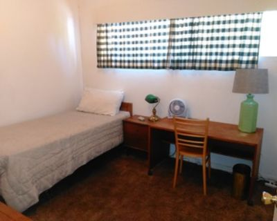 Private room for rent in Redwood City