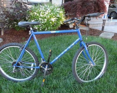 "Adult or Teen 22"" Frame 26"" Tire Miyata Elevation 200 Road Bike"
