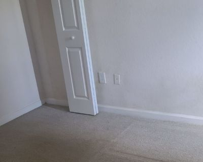 Private room with shared bathroom - Gainesville , GA 30507