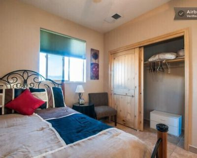 Separate Private Detached 1 Room Casita with your own entrance - Paradise Hills Civic