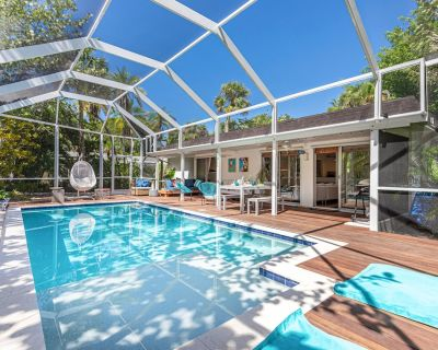 ***NEW*** Beautiful Cottage Canal Front&Boat Dock - Sanibel
