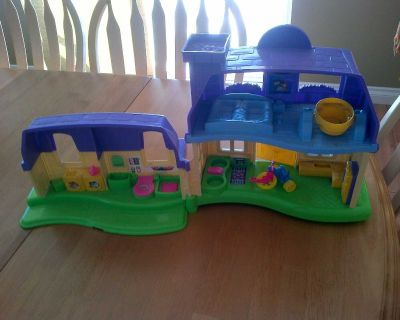 Fisher Price Small Doll House with Sound Effects