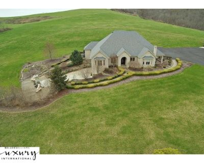 House for Sale in Pittsburgh, Pennsylvania, Ref# 14025168