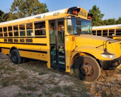 School Bus/Buses/RV