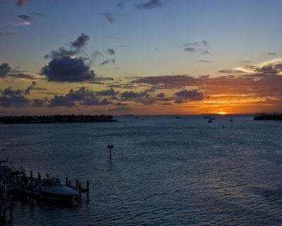 Beautiful views and close to Duval Street festivities and boat docks. Wks 29-30. - Historic Seaport