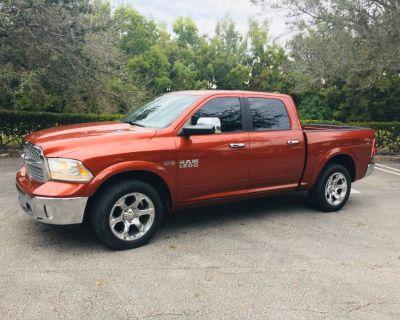 2013 Dodge Ram 1500 Crew Cab Laramie Pickup 4D 5 1/2'