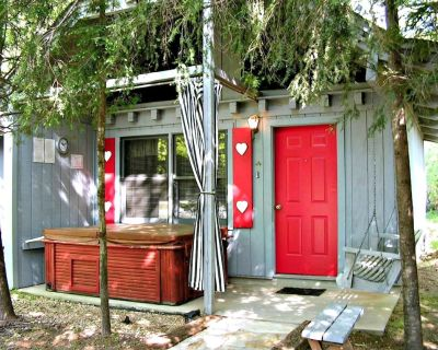 Bear Paw Cottage(#4 Queen)Adorable;Hot Tub; Pet Friendly;2Adults/2 Children max - Sautee Nacoochee