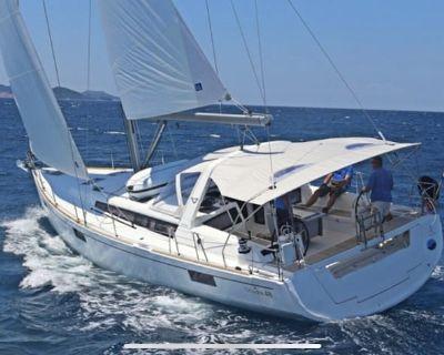 Luxury 2019 Beneteau Oceanis Sailing Yacht all to yourself. - Stock Island