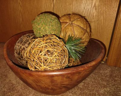 Large wooden bowl with ball decors included 13x7 bowl