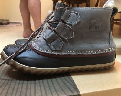 Brand New Sorel Women's 6.5 Ankle Rain Boots for Sale