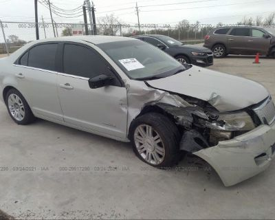 Salvage Silver 2006 Lincoln Zephyr