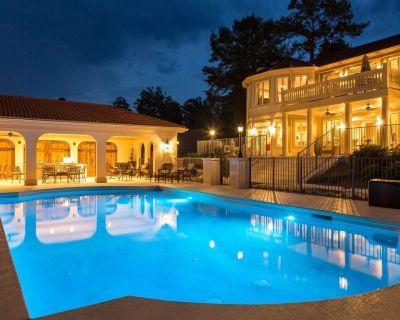 Heated Pool, 22 seat table, Lake Front, Elevator, Pontoon, Theater, 12k sq ft - Greensboro