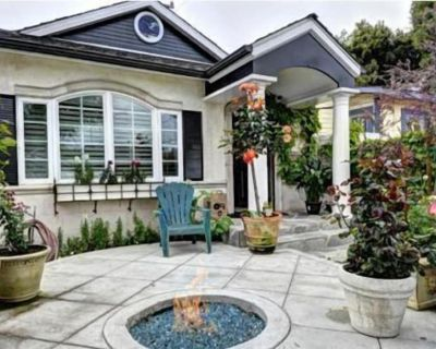 Beautifully Remodeled Luxurious Beach House 1.5 Blocks from the Beach - South Redondo