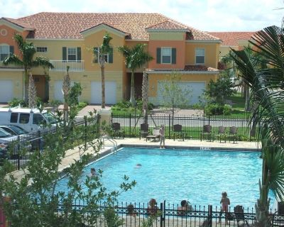 Lake Front Luxury near Ft. Myers Beach! Private Elevator! HDTV! - Fort Myers