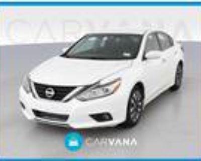 2017 Nissan Altima White, 86K miles