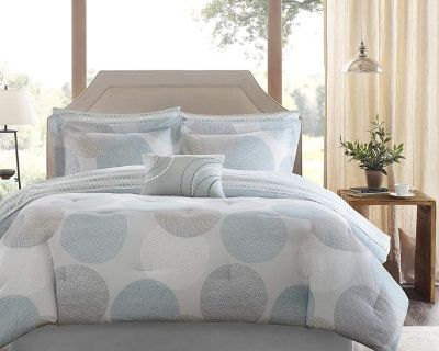 Twin Size Comforter and Sheet Set - New!