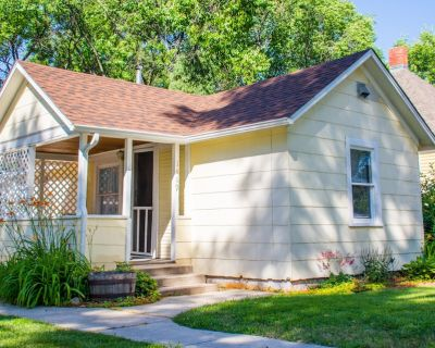 Pet Friendly Cottage located between Old Colorado City and Downtown! - Old Colorado City