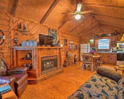 Secluded & Peaceful Family Retreat w/ Hot Tub! - Dahlonega