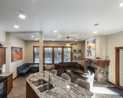Luxury Condo steps from Ski Lifts - Salt Lake Mountain Resorts
