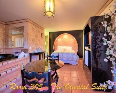 1 King Bed Jetted Tub Non-smoking - Yucca Valley