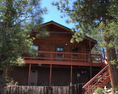 You ll love this fun cabin! Centrally located and minutes from Midtown. - Ruidoso