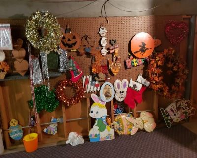 Estate sale with antiques, collectibles, tools, everything!