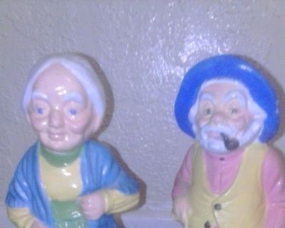 old man old woman figurines