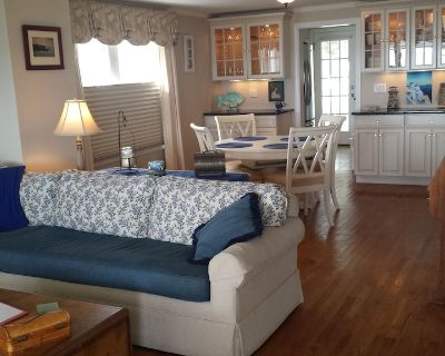 Direct ocean/beach front home with off street parking. - West Haven