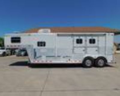 2003 4-Star 2 Horse 9 Living Quarters Trailer 2 horses