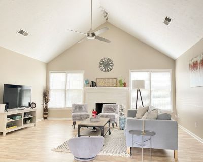 DISCOUNTED Charming Cozy & Modern Home Near ATL - Lawrenceville