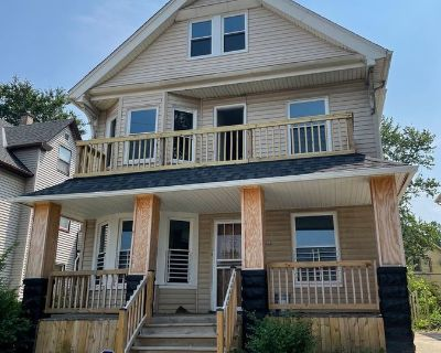 Cozy, NEW!!! 2 Bed, 1 Bath - Fully renovated - One Pet allowed