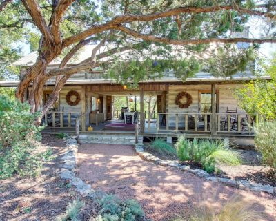 Two dog-friendly, deluxe, & secluded cabins w/jetted tubs & country porch! - Fredericksburg