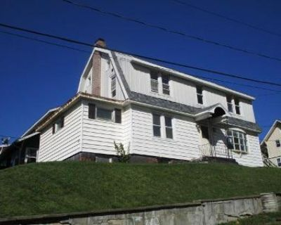 4 Bed 2 Bath Foreclosure Property in Troy, NY 12180 - Pawling Ave