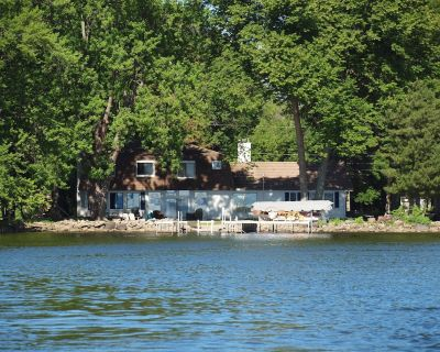 Lake Home on a Private Road - Neenah