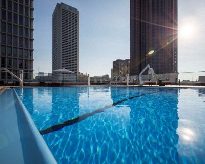 Midtown Suite | Free Breakfast, Pool, Gym, Business Center - SoNo