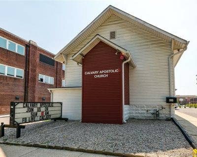 Large Well Kept Church in Jeffersonville for Sale
