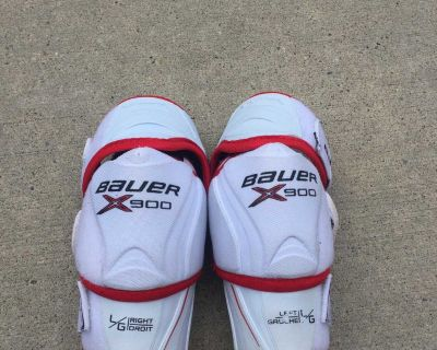 Bauer vapor elbow pads, size youth large $10