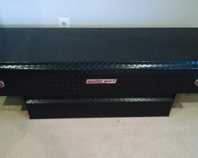 Truck tool chest
