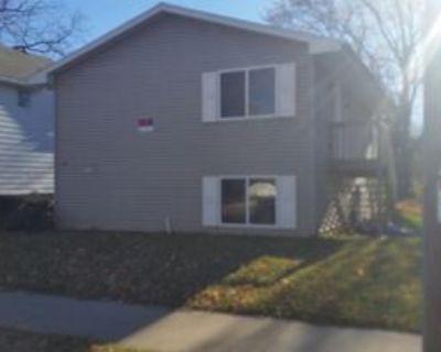 751 Prospect Ave #1, Oshkosh, WI 54901 5 Bedroom Apartment