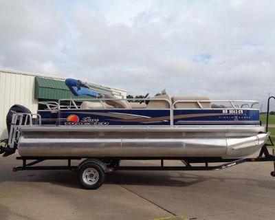 2014 Sun Tracker Fishin' Barge 20 DLX