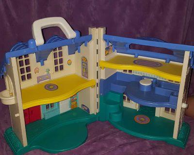Vintage 1996 Little People House
