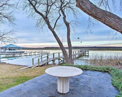 Waterfront Lake Worth Escape w/ Private Dock+Patio - Fort Worth