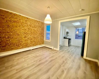 Private Room + Office in a 2 Bedroom Apartment