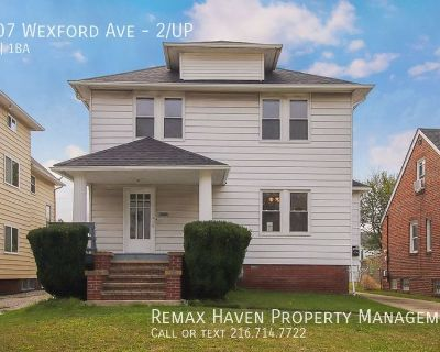1807 Wexford Ave 2/UP, Parma - Updated 2 Bed 1 Bath UP Unit in Duplex