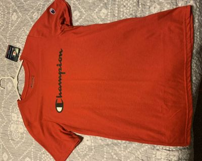 New boys youth Champion tee shirt size XL red NWT