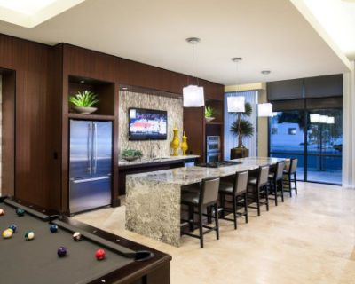 Private East Village Lounge with Kitchen and Pool Table, San Diego, CA