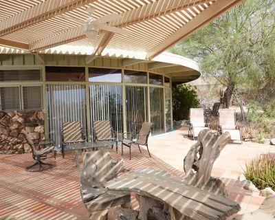 Glass House on 1 acre Coachella Music Festival I and II $300/night - 4 nite min. - Desert Hot Springs